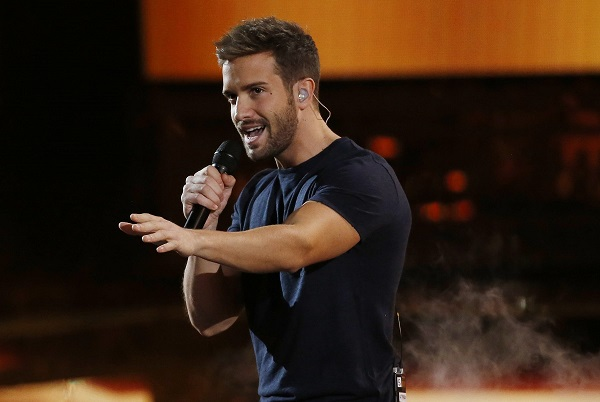 "Pablo Alboran performs ""Recuerdame"" during the 2015 Latin Grammy Awards in Las Vegas"